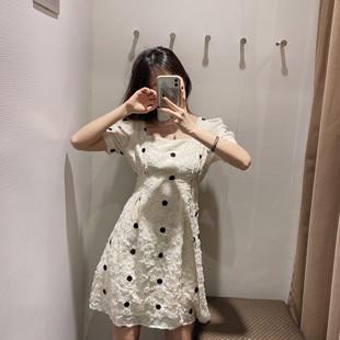 2020春夏新品女装时尚波点方领连衣裙YU11S7EN2004
