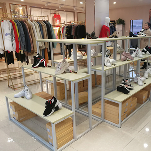 Window display rack shoe store women's boots display rack shoe rack shelf supermarket mall display bag bag stand wooden stand