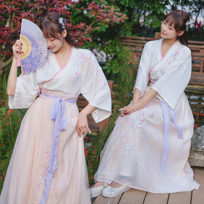 5819国风改良汉服汉元素女立领五分喇叭袖 复古上衣大摆绣花长裙 -