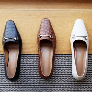 全皮法式复古石头纹高跟鞋2020春季新款英伦金属扣方头粗跟单鞋