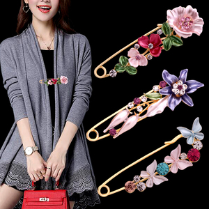 Scarf buckle brooch tulip large corsage collar coat cardigan pin fixed clothes with accessories Korea