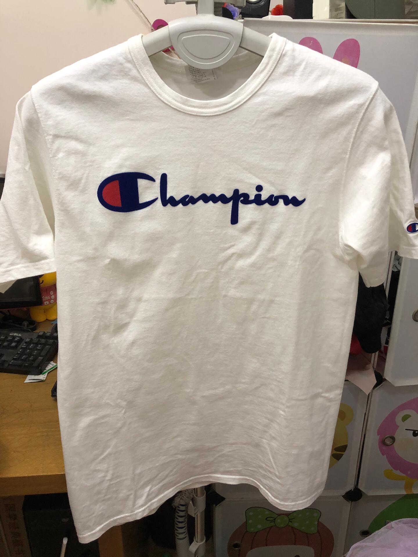 正品冠军T,属于厚一点的料子,买时380,韩国专卖店买回,只