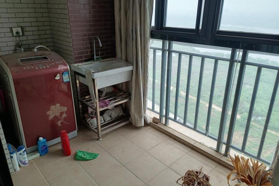 武汉市黄陂区汉口北大道21号中国家俱CBD家居饰品城A栋B座单元17层12室