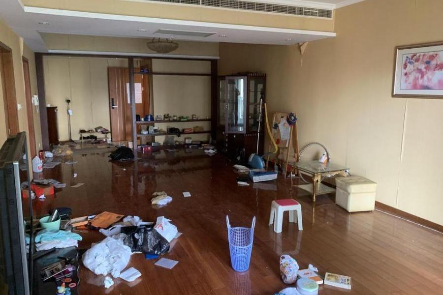 上海市浦东新区浦城路99弄9号902室住宅房及室内物品(整体拍卖)