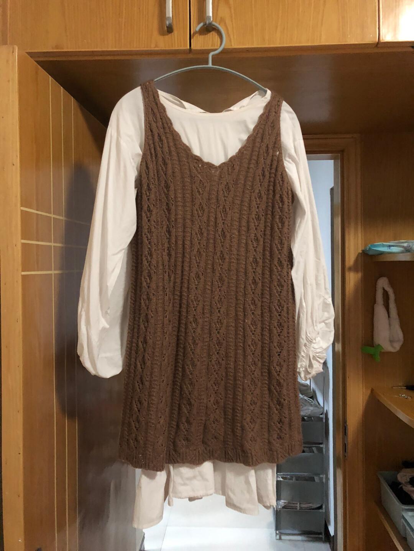 两件套.衬衣裙和针织衫.超级百搭.春秋必入款。