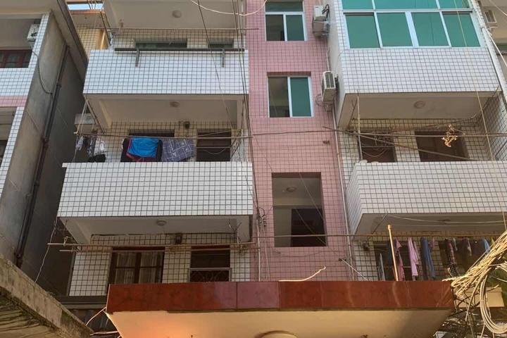 永泰县樟城镇龙峰园151号混合结构三层楼房