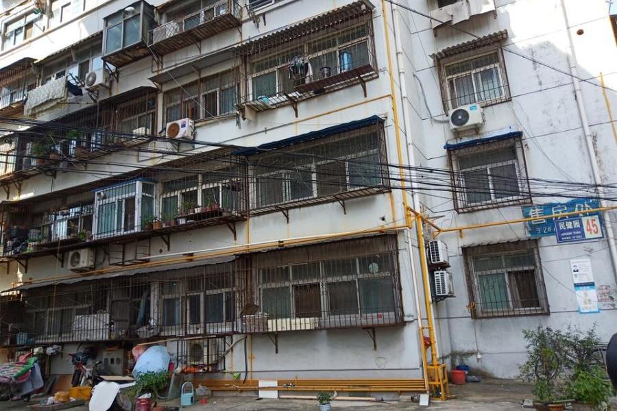 徐州市西苑水漫西侧1#-1-702室房产
