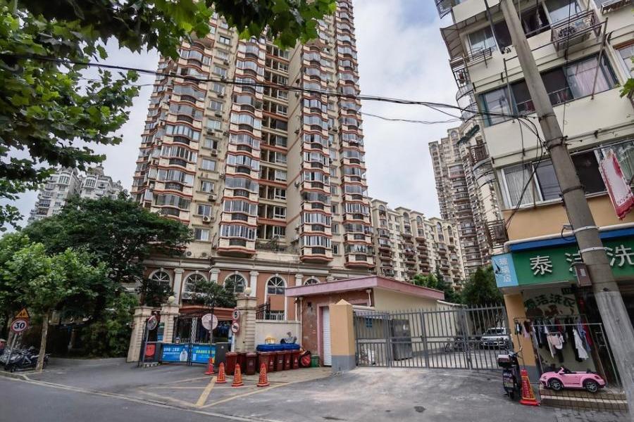 上海市虹口区宝山路888弄5号902室