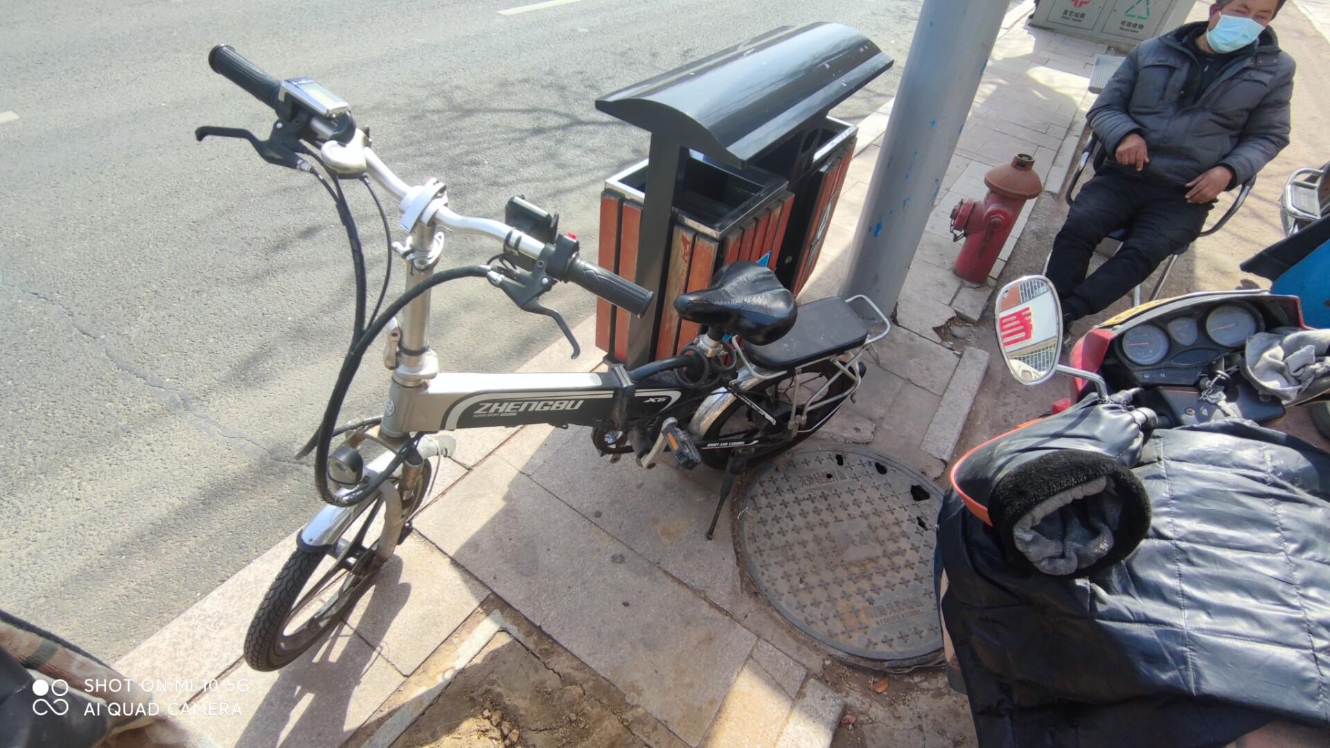 正步电动自行车,锂电池,8成新,原装充电器,电池,没有任何毛