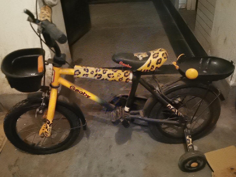 儿童自行车,收拾一下还是很不错的