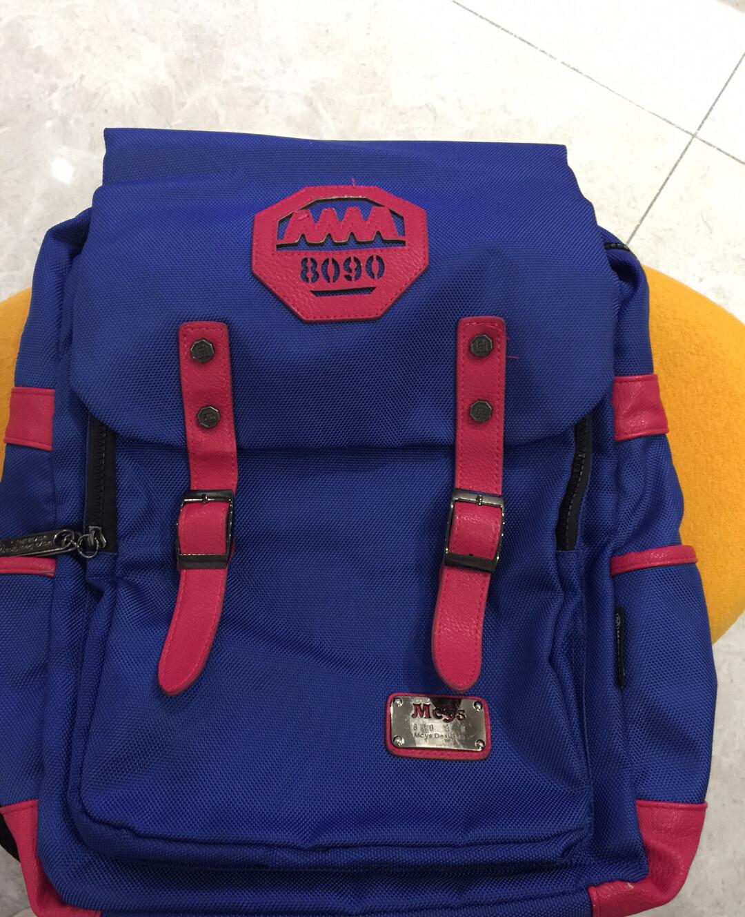 木村耀司双肩背包 电脑包 旅行包 运动包 八成新 低价转让
