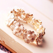 Good Korean fashion jewelry stretch Daisy flower bracelet women''s vintage accessories women sweet students