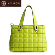 Honggu Hong Gu counters with the rhombic new fashion casual a solid color Candy-colored leather portable bag 4230