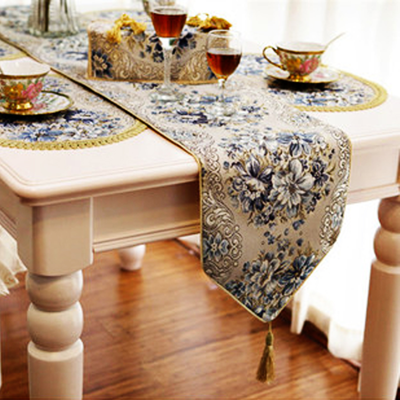 Upscale Fashion Gold Embroidered Table Runners Coffee Table Flag Bed Flag Bed End Towel Table