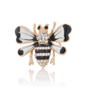 Good email lovely black and white bee Korea Korean brooch brooch pin fashion jewelry rhinestones women