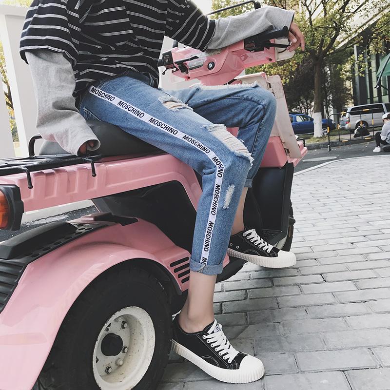 港风夏季织带装饰九分裤大破洞牛仔裤男社会小伙学生牛仔9分裤子