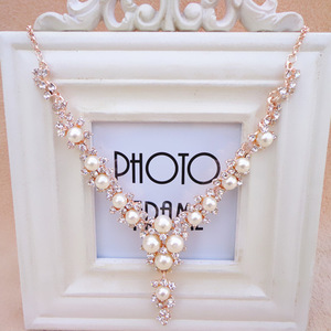 Korean Fashion Pearl Gemstone Necklace Women's Short Clavicle Chain Decoration Accessories Sweater Chain Fake Collar Europe
