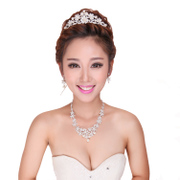 Good jewelry beauty Korean Daisy necklace earrings set of three diamond in the Crown of the bride wedding dress accessory jewelry