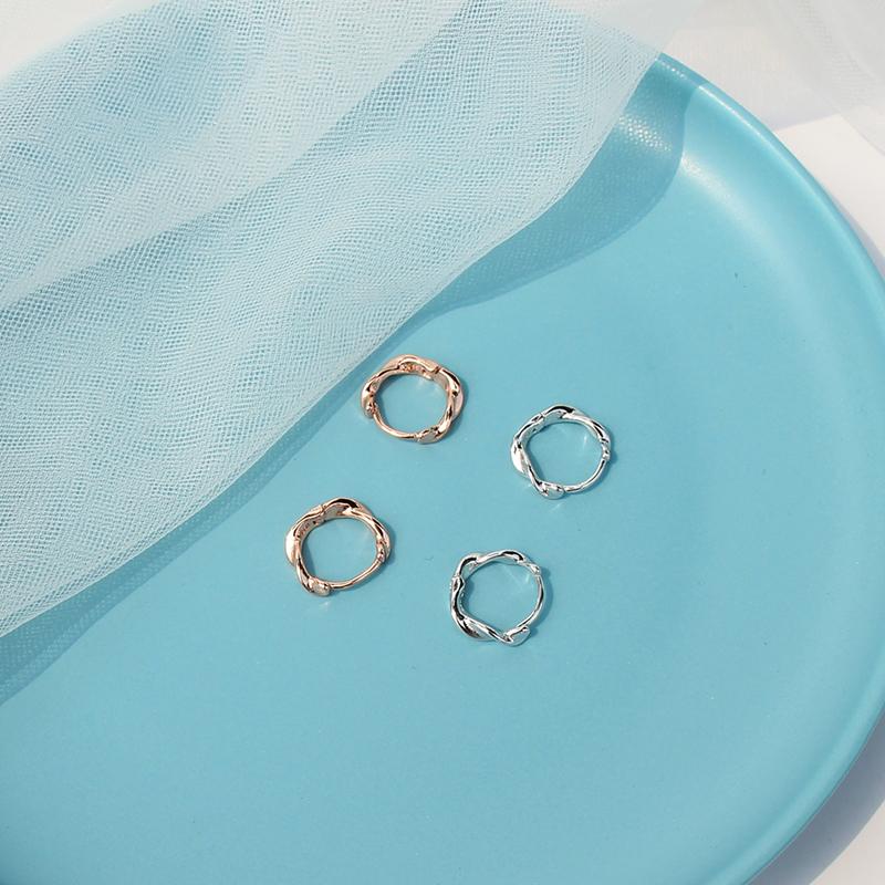 s925纯银莫比乌斯环耳扣女设计感耳钉气质简约韩国2019新款网红潮