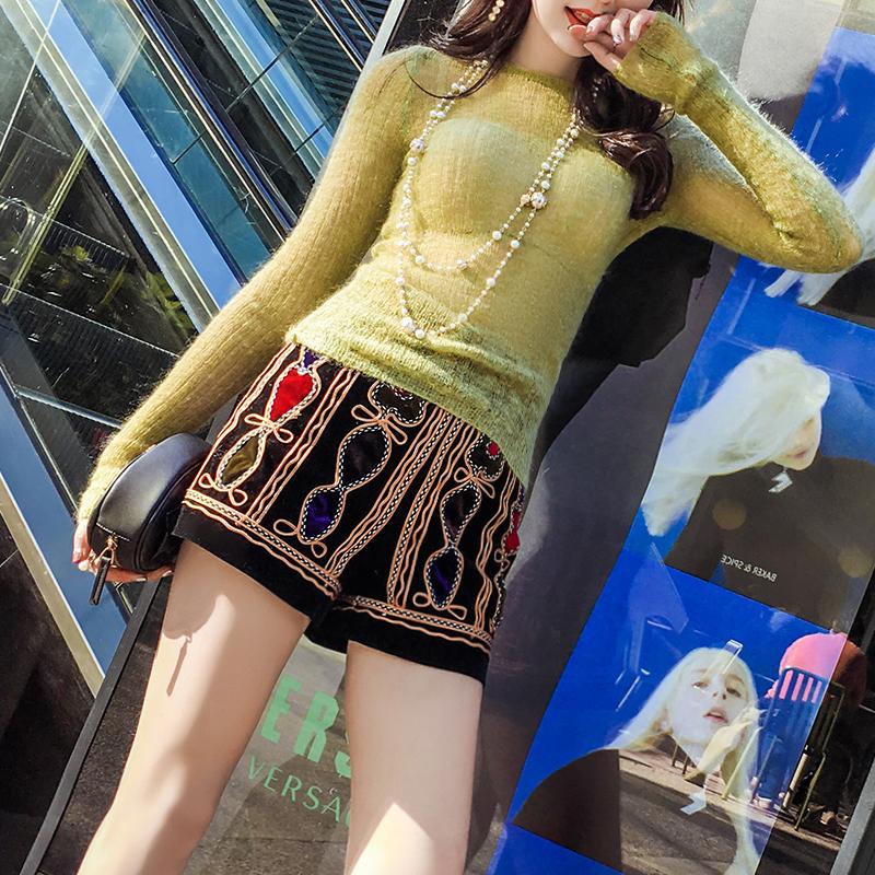 2019春季女装重工刺绣小短裤女显瘦百搭黑色高腰阔腿裤热裤少女心