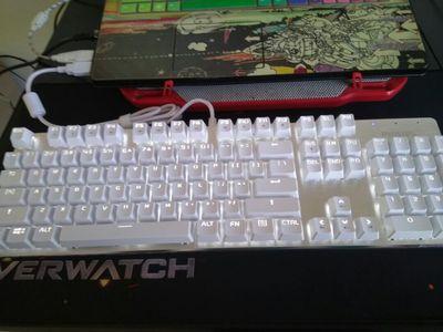 飞利浦真机械键盘SPK8401怎么样评价 电竞游戏外设有线外接台式电脑青轴黑轴104键lol
