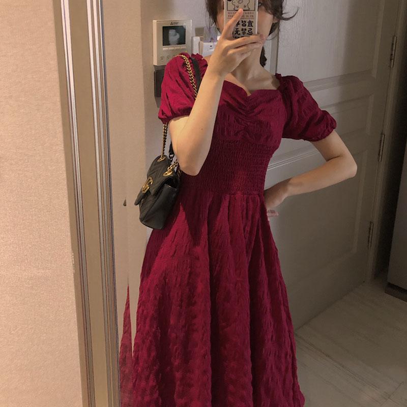 2019新款夏季赫本风法式复古一字领露肩连衣裙小红裙方领高腰长裙