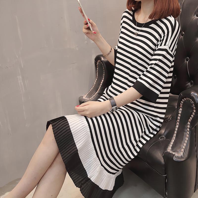 很仙的2019夏新款冰丝连衣裙气质黑白条纹长裙子潮法式小众桔梗裙