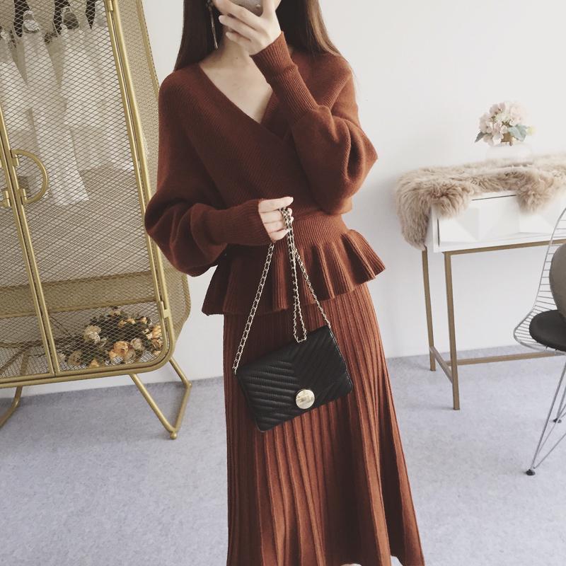 2018秋装新款纯色V领宽松蝙蝠袖花边腰毛衣百褶半身长裙两件套女