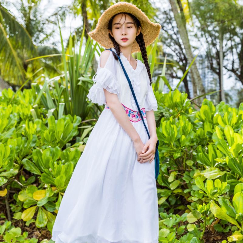 素萝 汀上白沙 刺绣仙女裙夏装新款短袖露肩温柔复古民族风连衣裙