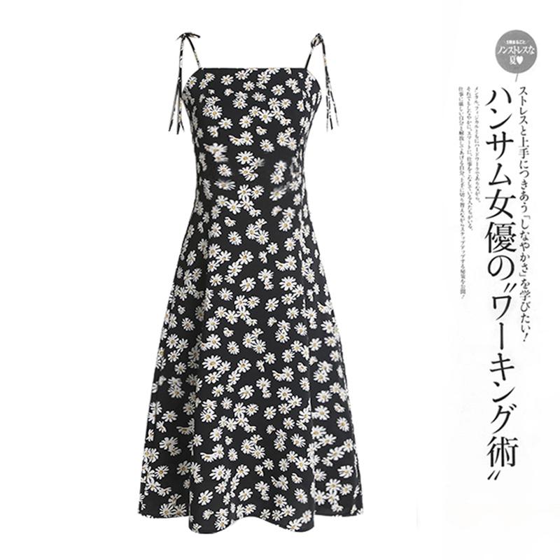 碎花连衣裙女夏2020新款修身显瘦中长款印花泫雅风小雏菊吊带裙子