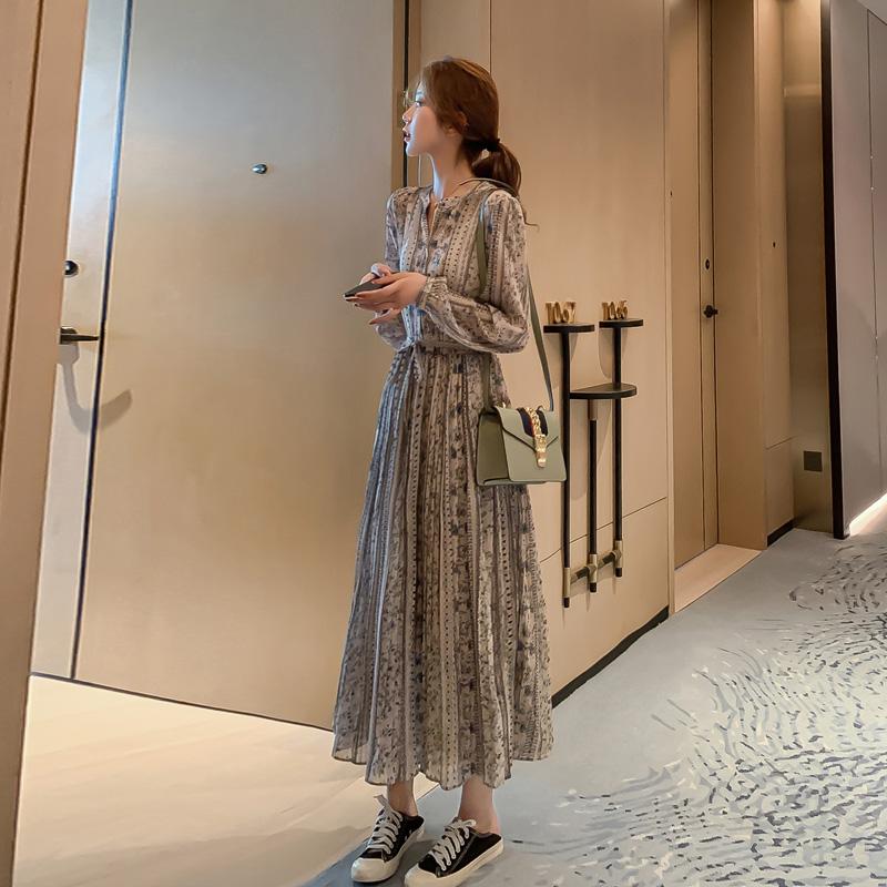 秋冬季女装2019年新款法式复古连衣裙碎花雪纺长袖气质长款裙子潮