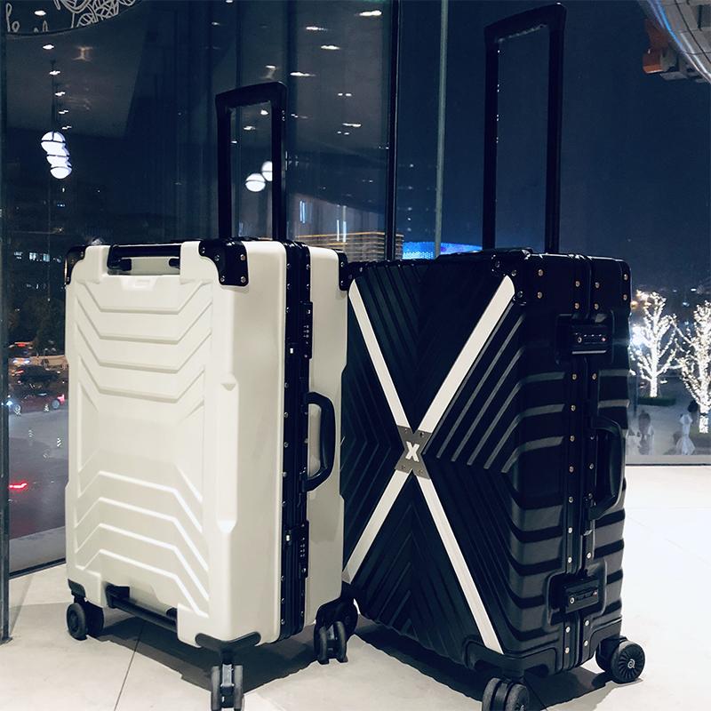 璐思迪行李箱女拉杆箱万向轮韩版铝框旅行箱男大学生密码箱登机箱优惠券