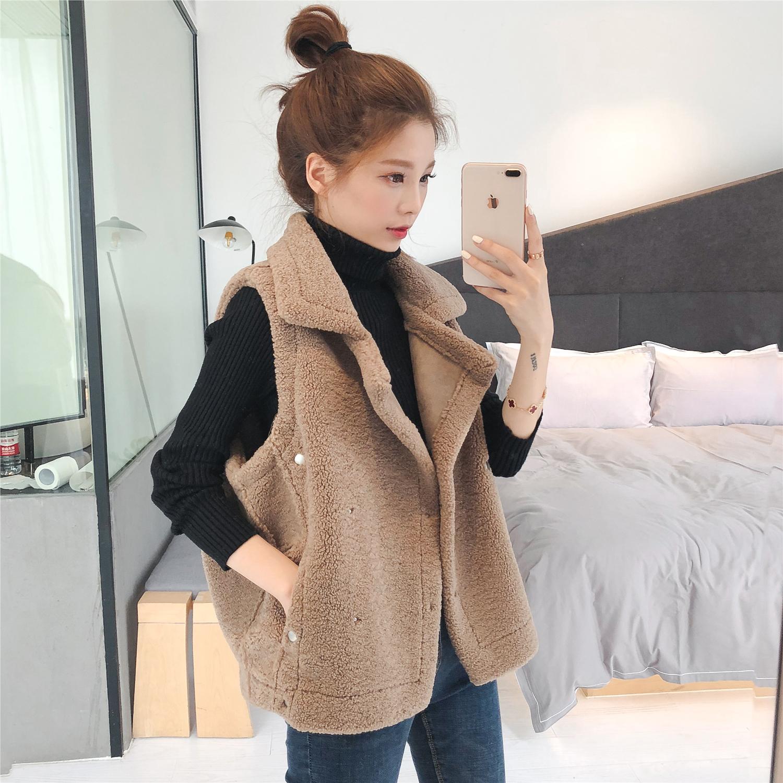 P7秋冬新款韩版宽松显瘦无袖马甲背心女学生短款羊羔毛外套上衣