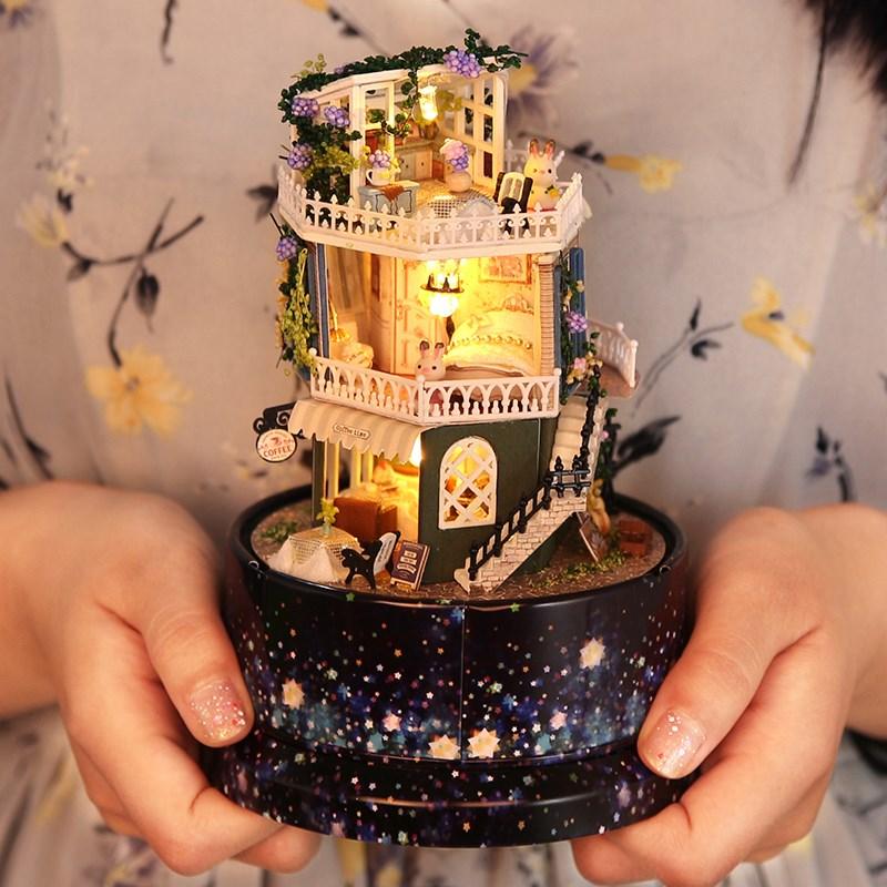 宝宝音乐盒旋转玩具木质八音盒diy手工冰雪奇缘生日礼物拼装制作