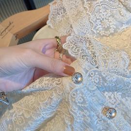 初秋装短款v领衬衫法式洋气长袖蕾丝上衣女设计感小众2020年新款