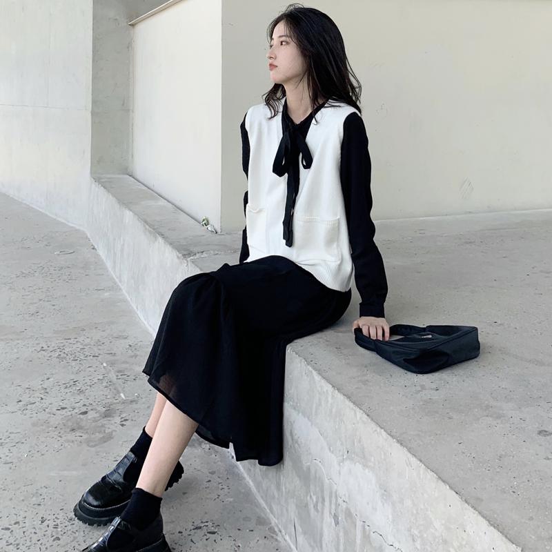 去年爆款 实拍质检 时尚V领背心马甲毛衣+纯色连衣裙两件套-卡卡家港风网红-