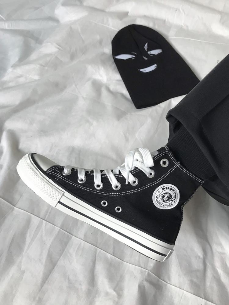 环球板鞋秋季新款女鞋学生百搭黑色秋鞋2019潮鞋韩版高帮帆布鞋女