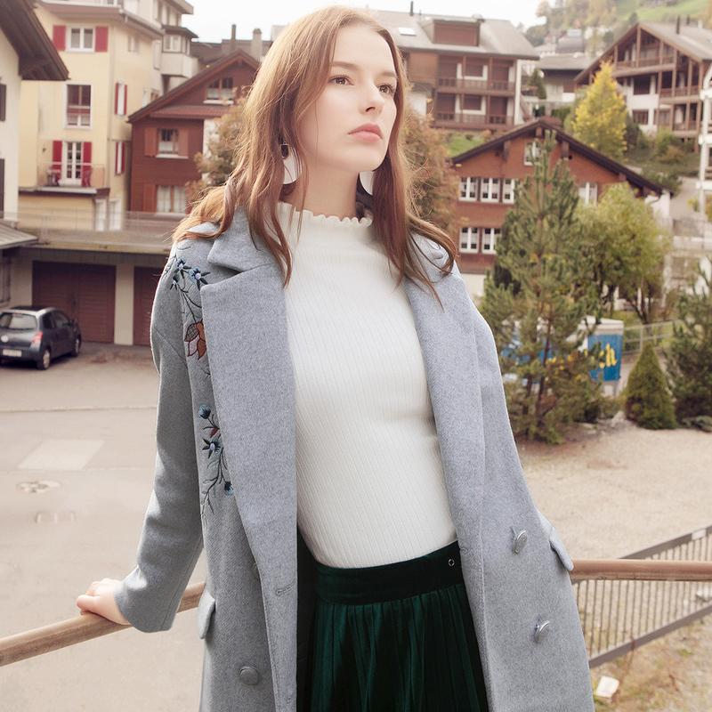 betu/百图 2017冬季新品韩版修身长款外套刺绣羊毛
