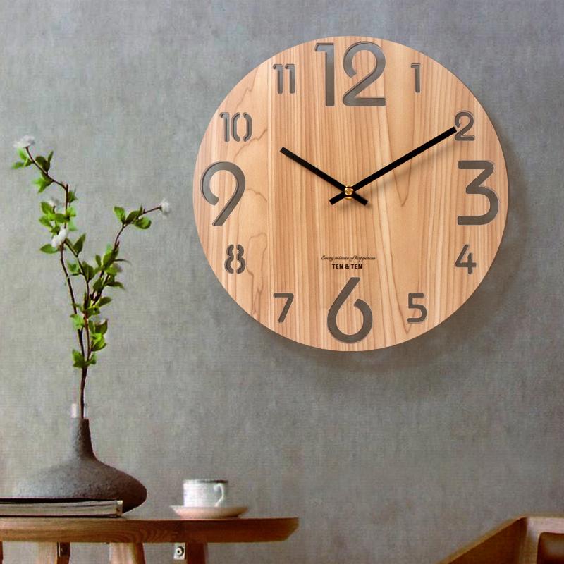 现代简约钟表时尚挂表北欧挂钟客厅石英钟家用创意静音木纹时钟