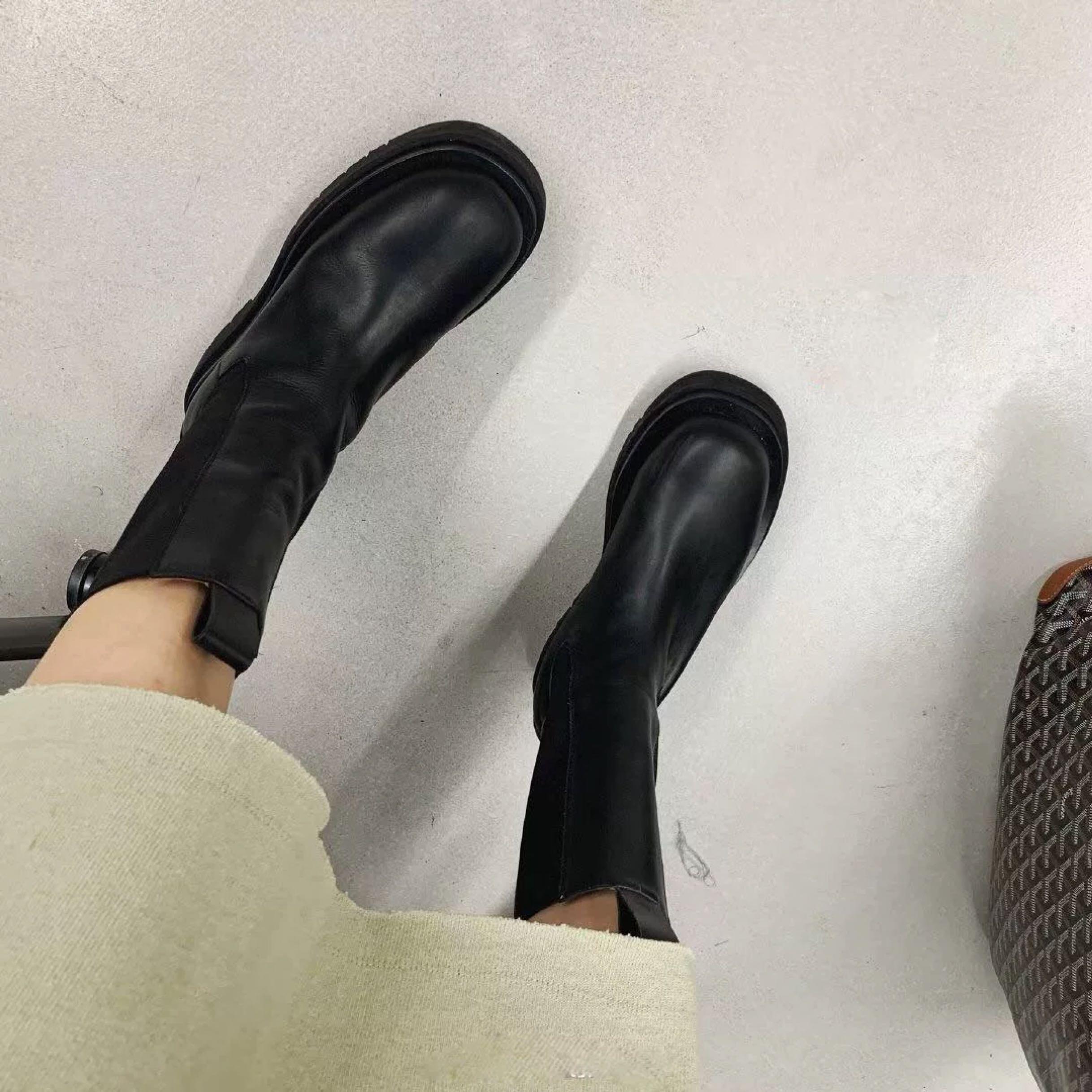 网红MONA同款女靴子2019新款厚底大头短中筒靴英伦风走秀马丁靴女