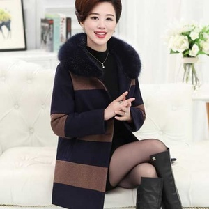 P5 middle-aged and elderly women's clothing 2019 autumn and winter mother's wear winter woolen coat mid-length middle-aged cotton coat