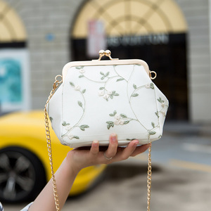 Fairy small bag lace embroidered clip shell bag 2020 summer new wild chain shoulder Messenger bag