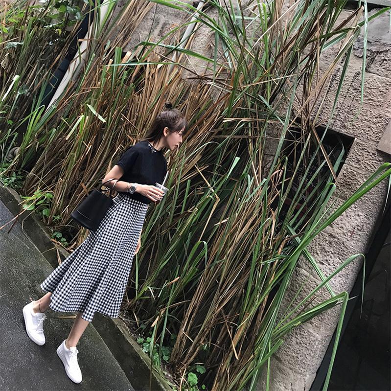 半身裙夏女2019新款鱼尾复古中长款学生高腰黑白格子包臀a字裙子