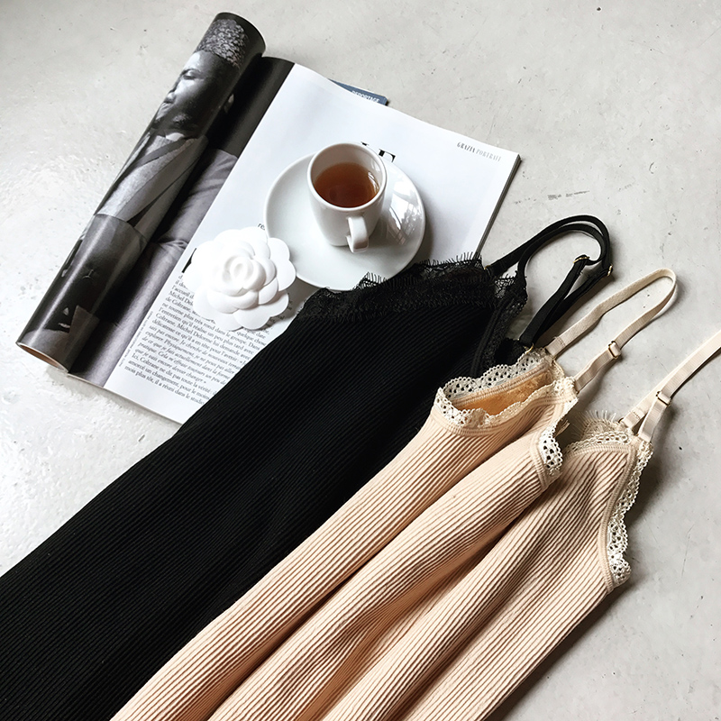 于momo2017冬季新款修身v领针织吊带背心女蕾丝加绒保暖打底上衣