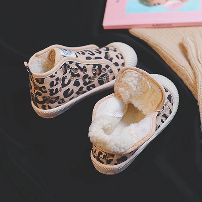 儿童帆布鞋男女童小白鞋2019年新款春秋宝宝软底布鞋幼儿园室内鞋