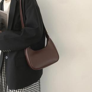 腋下包女小众设计包包2020新款潮网红复古新月包百搭高级感斜挎包图片