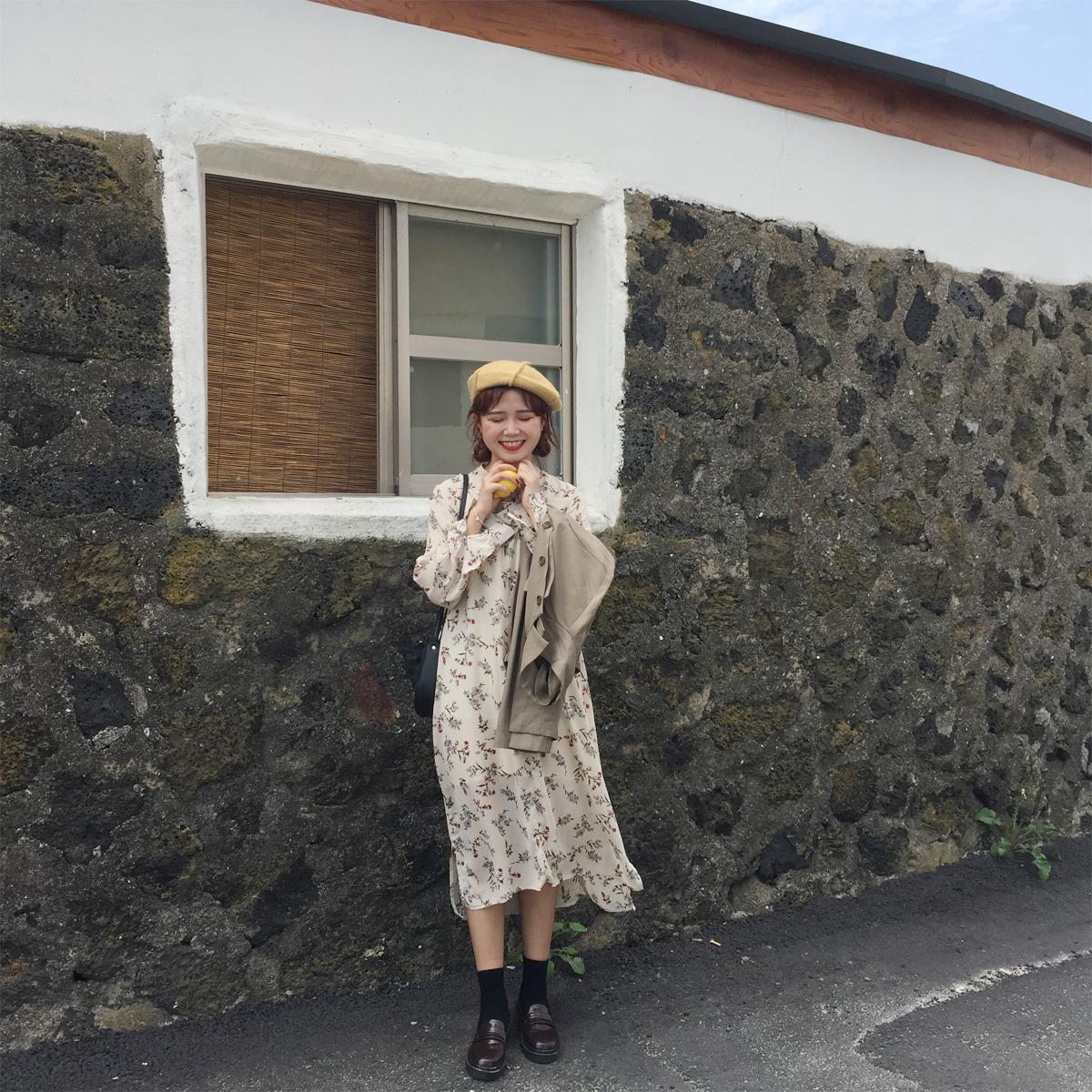 陆小团团 碎花雪纺裙秋蝴蝶结绑带裙中长款甜美气质长袖连衣裙。