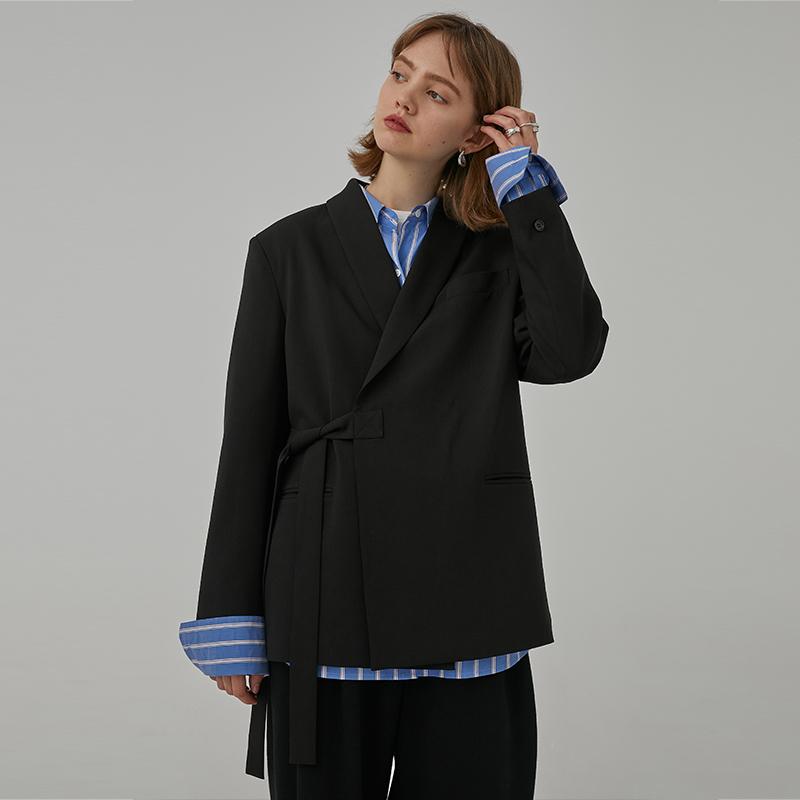 范洛 2020春季新款经典黑侧门襟绑带个性宽松休闲中性西装外套女