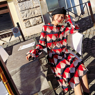2018春装新款女装 韩版ins超火裙子小心机显瘦中长款连衣裙女春秋
