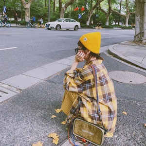 Retro loose Korean version of Hong Kong flavor thickened brushed yellow light cooked plaid shirt new autumn women's coat student